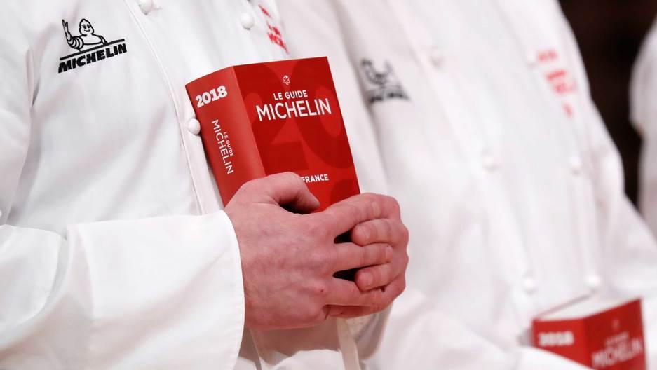 100319-book-in-hands