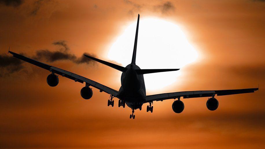 aircraft-1362587_1920-916x516-916x516-916x516