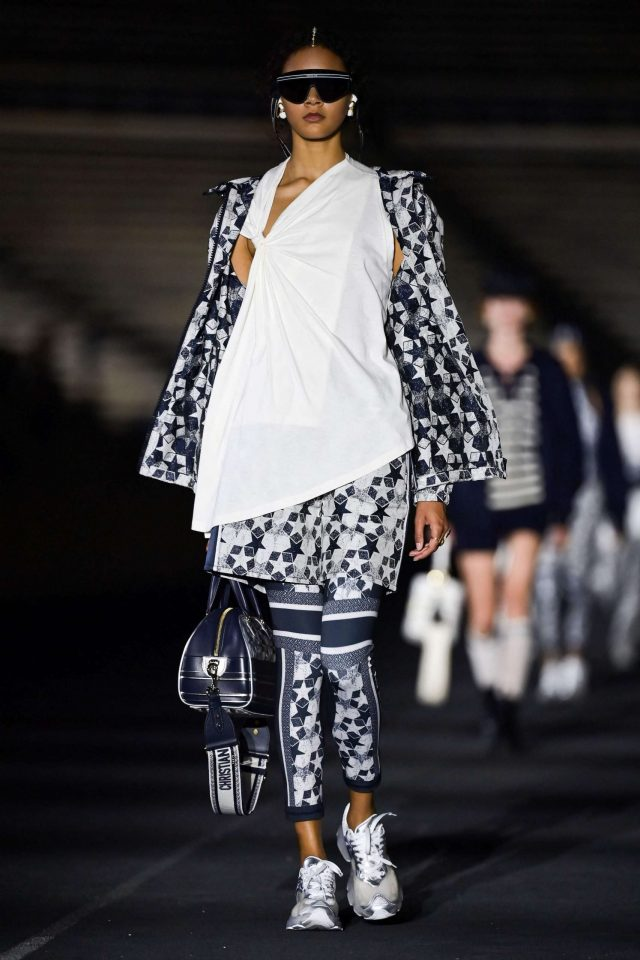 1624033578_113_Dior-returns-to-its-Greek-roots-with-a-fashion-show