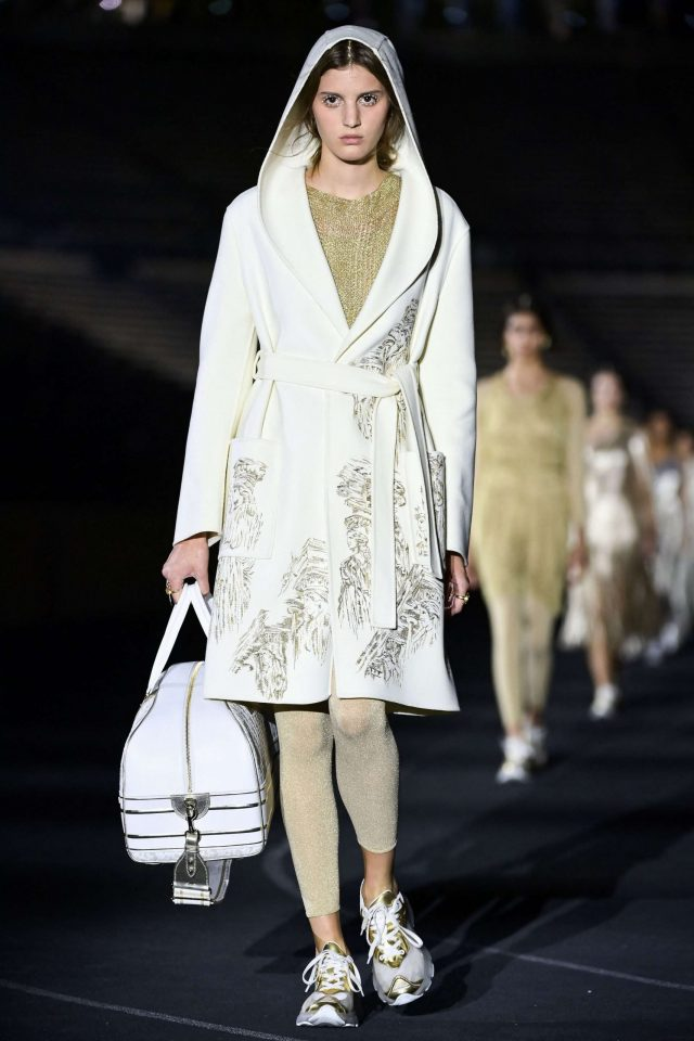 1624033578_770_Dior-returns-to-its-Greek-roots-with-a-fashion-show