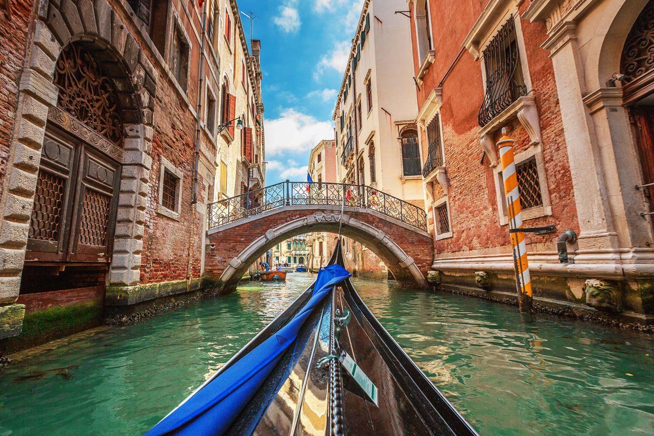 venice-italy-gondola-canal-VENICEGUIDE0518-1280x853.jpg